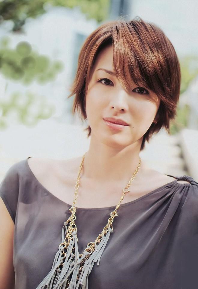 Top 10 người đẹp sở hữu nhan sắc được khao khát tại Nhật Bản: Mỹ nhân đẹp nhất mọi thời đại chỉ đứng ở vị trí thứ 2 - Ảnh 10.
