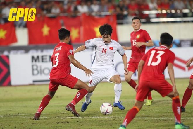 Việc đầu tiên Công Phượng thực hiện sau khi kết thúc trận đấu giữa ĐT Việt Nam và ĐT Lào - ảnh 3