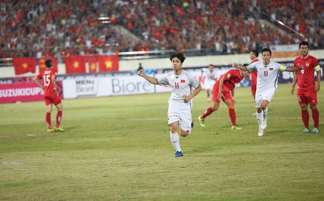 Lào 0-3 Việt Nam: Quang Hải lập siêu phẩm đá phạt cho ĐT