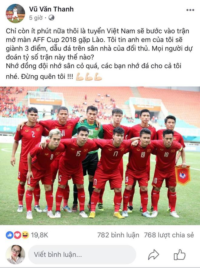 Việc đầu tiên Công Phượng thực hiện sau khi kết thúc trận đấu giữa ĐT Việt Nam và ĐT Lào - ảnh 4