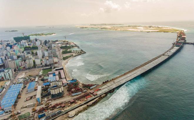 """Lo ngại sập bẫy nợ Trung Quốc, tân TT Maldives quyết lôi từng khoản """"mập mờ"""" ra ánh sáng"""
