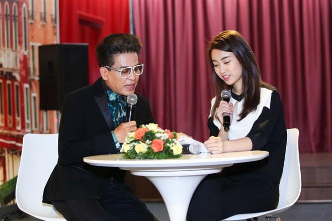 Dở khóc dở cười với Hoa hậu Đỗ Mỹ Linh khi lần đầu lấn sân sang làm biên tập viên trên kênh truyền hình quốc gia - Ảnh 4.
