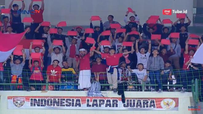 Sao Indonesia tái hiện hình ảnh xúc động của Công Vinh khi khóc như mưa trong lúc hát Quốc ca - Ảnh 2.