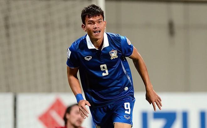 """""""Sát thủ"""" Thái Lan vừa gây chấn động với 6 bàn thắng trước Timor-Leste là ai?"""
