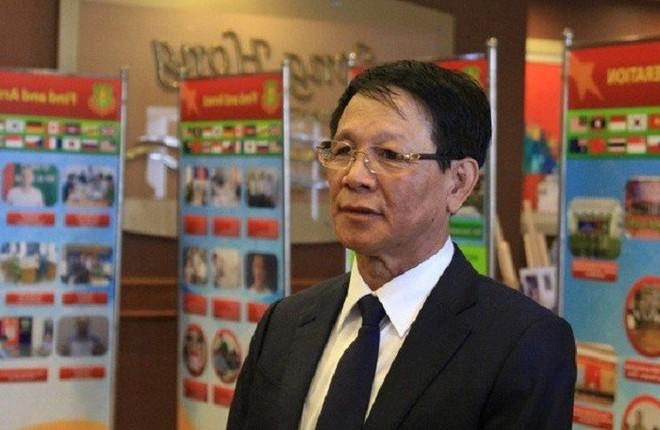 Cựu Trung tướng Phan Văn Vĩnh bị cảnh sát áp giải về trại giam - Ảnh 1.