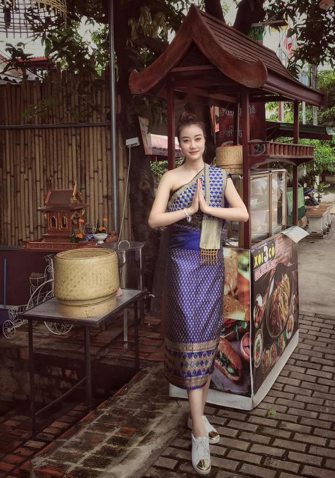 Nữ CĐV xinh đẹp của ĐT Việt Nam: 7 rưỡi tối mới đá nhưng mọi người đến sân từ 4 giờ chiều - ảnh 6