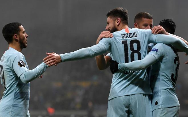 Ghi vỏn vẹn 1 bàn thắng, hai đội bóng Premier League vẫn chắc suất knock-out trước 2 vòng