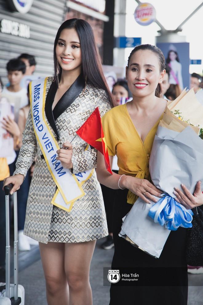Mẹ cùng người hâm mộ tiễn Trần Tiểu Vy lên đường sang Trung Quốc chinh chiến Miss World 2018 - Ảnh 7.