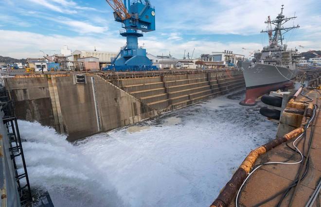 Khu trục hạm tỷ USD Mỹ chuẩn bị tái xuất sau khi bị tàu dầu hạ gục - ảnh 3