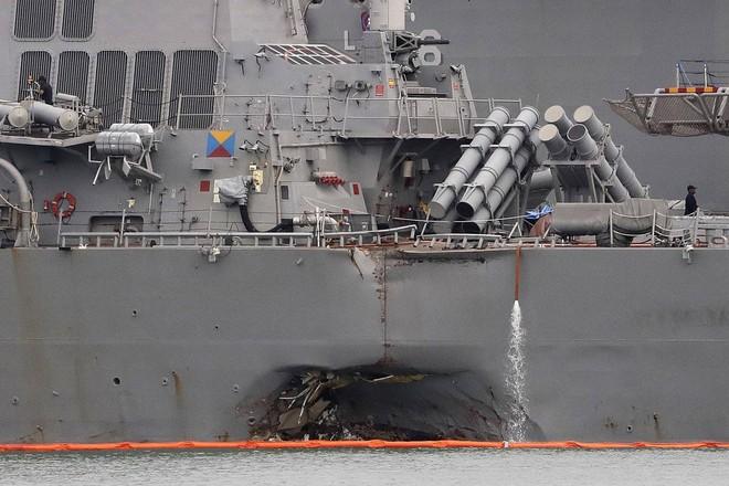 Khu trục hạm tỷ USD Mỹ chuẩn bị tái xuất sau khi bị tàu dầu hạ gục - ảnh 1