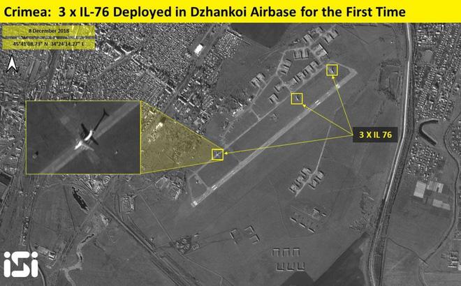 Nga rầm rộ chuyển quân cả bằng đường không và đường bộ đến Crimea: Căng như dây đàn