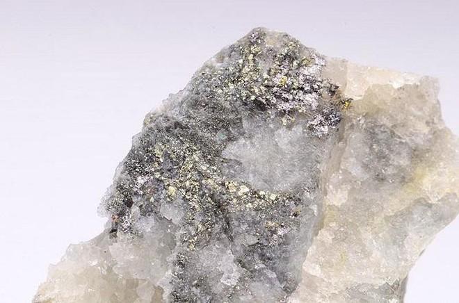 10 khoáng sản đẹp nhưng nguy hiểm nhất Trái Đất: Chạm vào là có thể gặp Thần Chết - Ảnh 2.