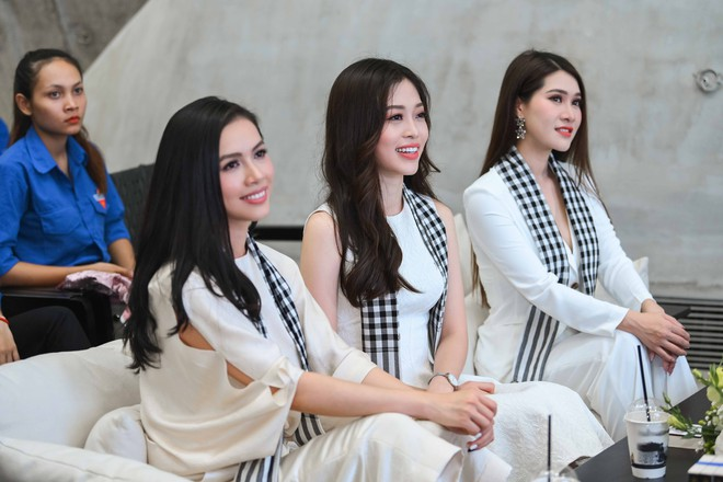Á hậu Phương Nga, Hoàng My giao lưu với sinh viên tại Bảo tàng thế giới cà phê - Ảnh 3.