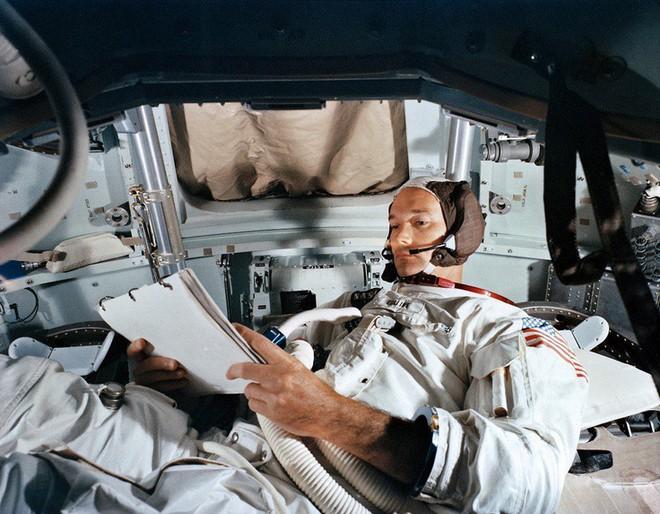Bí mật cuộc đổ bộ Mặt Trăng đầu tiên của NASA: Kịch bản ám ảnh phi hành gia thứ 3 - Ảnh 3.