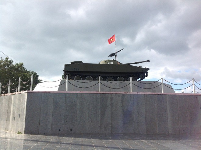 Bạn đồng hành như hình với bóng của xe tăng Việt Nam: Từ T-54 tới T-90 - Ảnh 4.