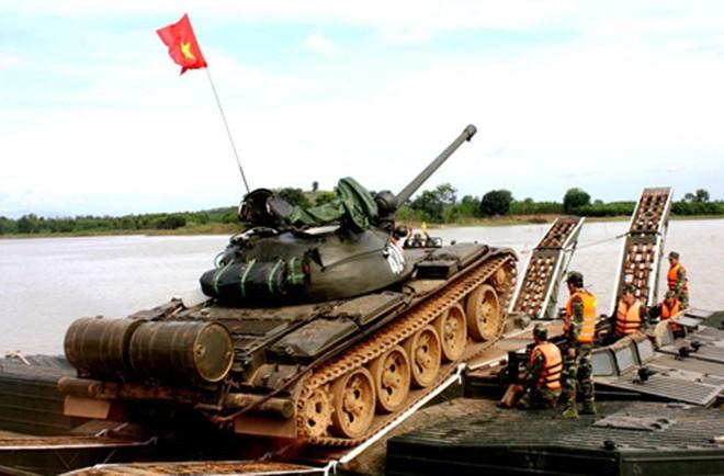 Bạn đồng hành như hình với bóng của xe tăng Việt Nam: Từ T-54 tới T-90 - Ảnh 5.