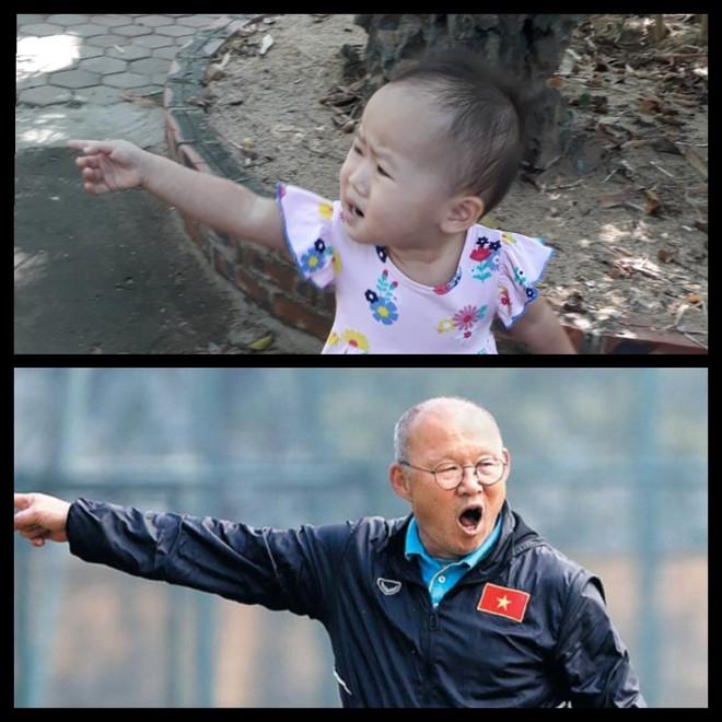 8 khoảnh khắc của cô bé 2 tuổi khiến dân mạng thích thú vì quá giống HLV Park Hang-seo - Ảnh 3.