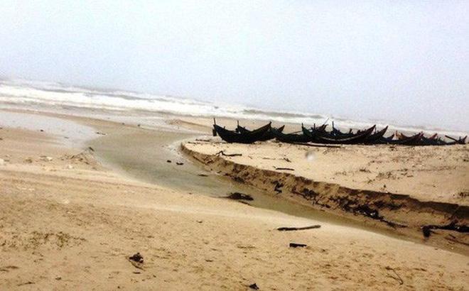Kinh hoàng phát hiện thi thể không đầu trôi dạt vào bờ biển