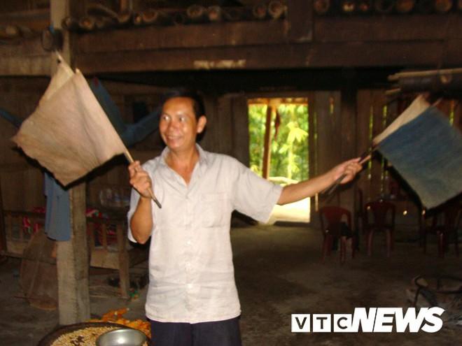 Những thanh kiếm bí ẩn ở Việt Nam: Kiếm báu kỳ lạ của tổ tiên người Dao - Ảnh 3.