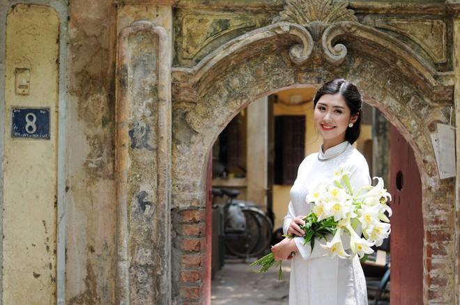 Nữ tiếp viên hàng không xinh đẹp gây bão mạng khi chụp ảnh cùng đội tuyển Việt Nam, tiết lộ bất ngờ về Quang Hải - Ảnh 6.