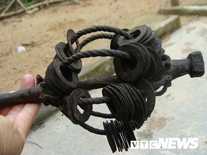 Những thanh kiếm bí ẩn ở Việt Nam: Kiếm báu kỳ lạ của tổ tiên người Dao - Ảnh 6.