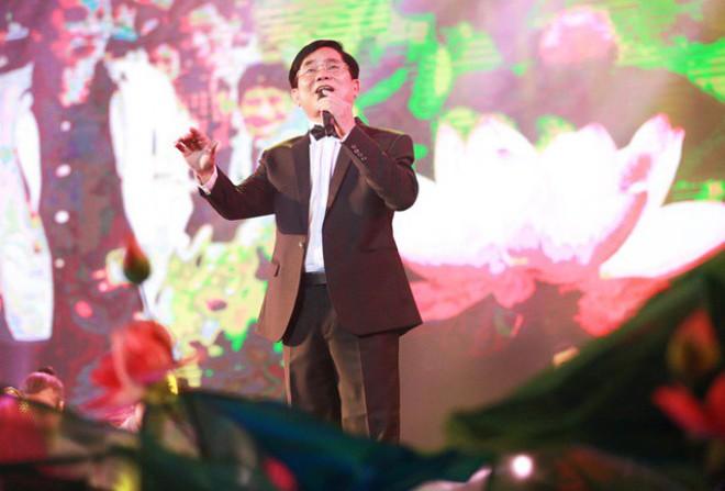 Bố Hương Tràm: Sự việc xảy ra, tôi không thể gọi điện cho Thu Minh được và đã khóc cả đêm - Ảnh 1.