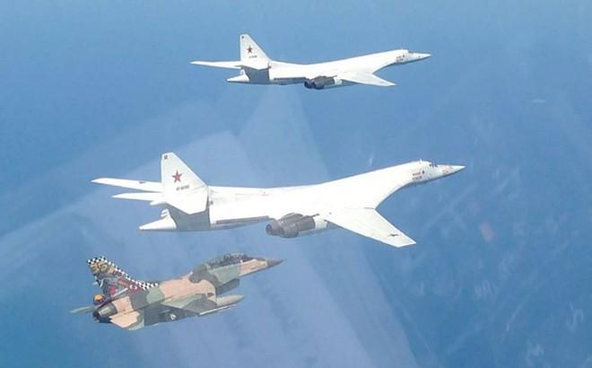 """Tu-160 Nga xuất kích: """"Nuôi quân 3 năm dùng 1 giờ"""" - Mỹ giật mình thon thót"""