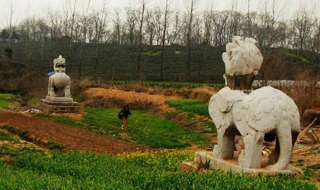 Xuống lăng mộ bí ẩn và vĩ đại nhất thế giới, chứa hàng ngàn tấn báu vật - Ảnh 11.