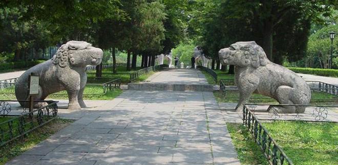 Xuống lăng mộ bí ẩn và vĩ đại nhất thế giới, chứa hàng ngàn tấn báu vật - Ảnh 12.