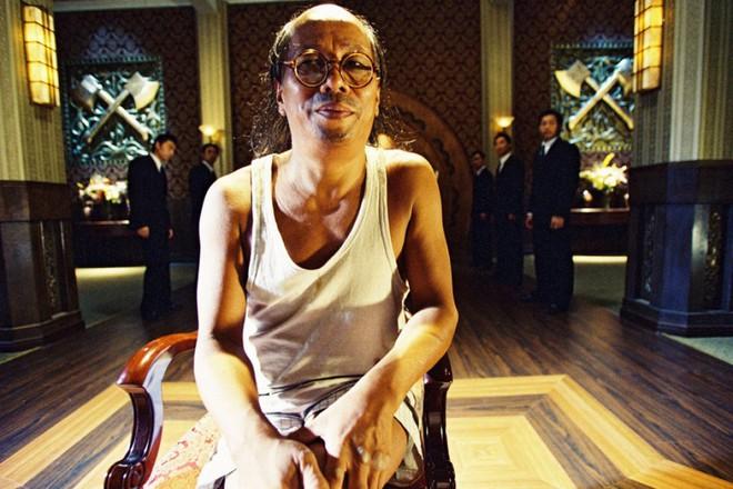 Ác nhân trong Tuyệt đỉnh Kungfu: Phải diễn hội chợ kiếm tiền, 70 tuổi ngoại tình với gái trẻ - Ảnh 3.