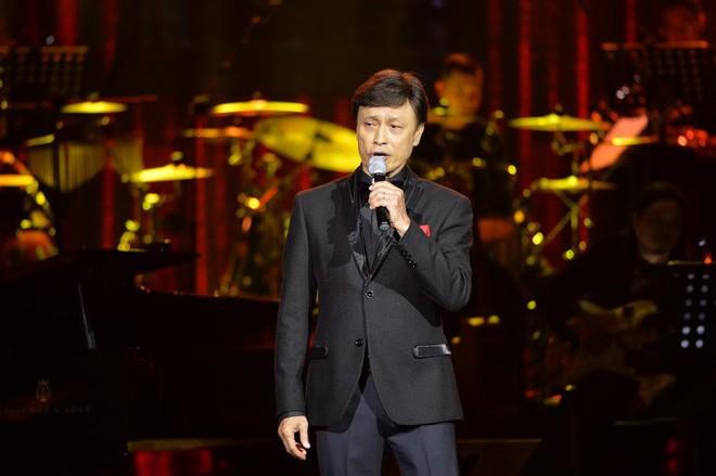 Tuấn Ngọc: 40 năm đi hát, chưa bao giờ tôi ngóng về Mỹ Đình và đội tuyển Việt Nam như thế này - Ảnh 8.