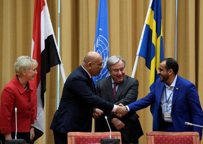 Thỏa thuận nhanh chóng chưa từng thấy: Cuộc chiến nồi da nấu thịt ở Yemen sắp vãn hồi? - Ảnh 1.