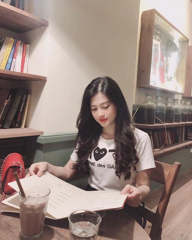 Em gái Huyền Baby: Chỉ xài hàng hiệu đắt đỏ, có người yêu Hàn Quốc là nhờ chị gái tặng - Ảnh 5.