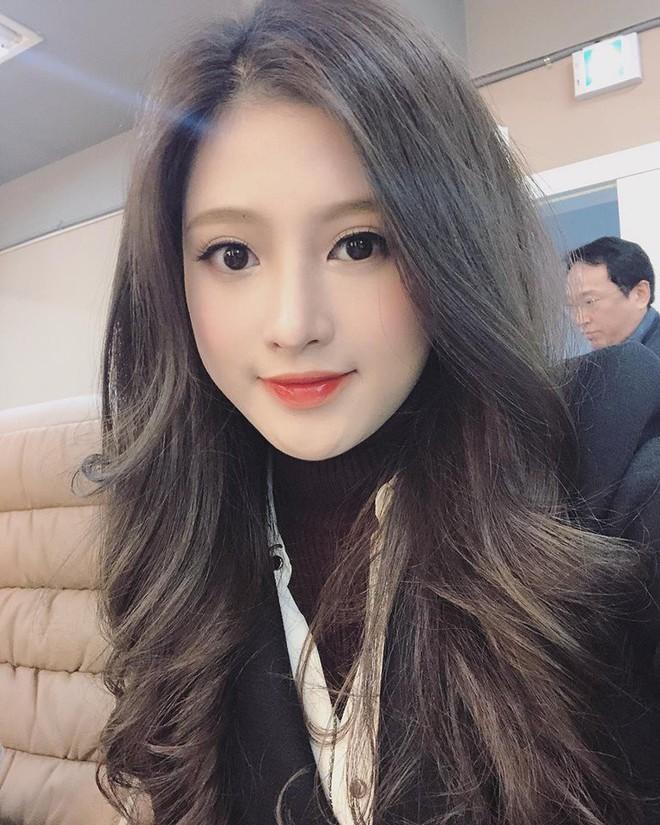Em gái Huyền Baby: Chỉ xài hàng hiệu đắt đỏ, có người yêu Hàn Quốc là nhờ chị gái tặng - Ảnh 9.