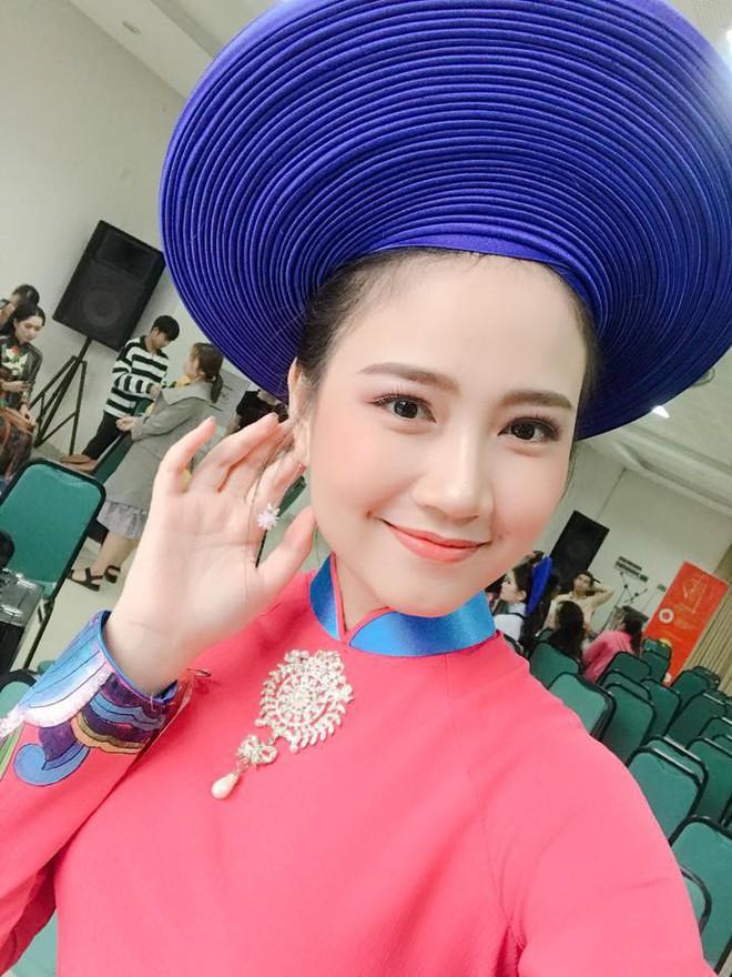 Nhan sắc đời thường được lòng tất cả các chàng trai của tân Hoa khôi Sinh viên Việt Nam 2018 - Ảnh 1.