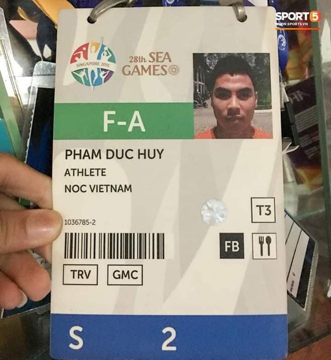 Đức Huy và sự thay đổi qua từng bức ảnh: Từ cậu bé nhặt bóng thành tuyển thủ vô địch AFF Cup - Ảnh 8.