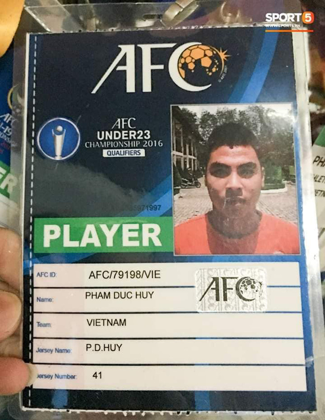 Đức Huy và sự thay đổi qua từng bức ảnh: Từ cậu bé nhặt bóng thành tuyển thủ vô địch AFF Cup - Ảnh 7.