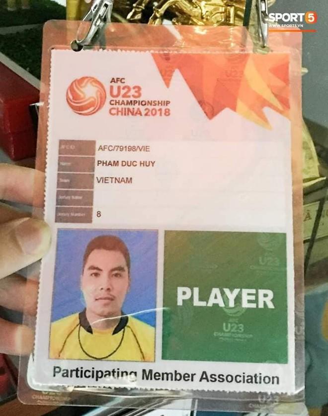 Đức Huy và sự thay đổi qua từng bức ảnh: Từ cậu bé nhặt bóng thành tuyển thủ vô địch AFF Cup - Ảnh 9.
