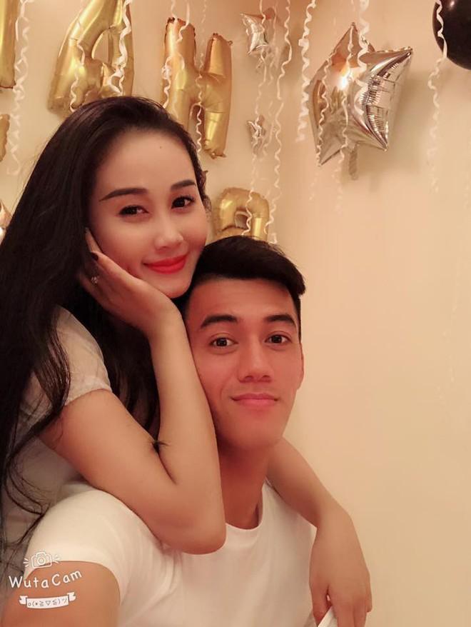 Gia thế giàu có, nhan sắc khả ái của bạn gái cầu thủ Tiến Linh - cơn gió lạ trong đội tuyển Việt Nam - Ảnh 12.