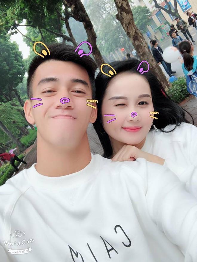 Gia thế giàu có, nhan sắc khả ái của bạn gái cầu thủ Tiến Linh - cơn gió lạ trong đội tuyển Việt Nam - Ảnh 13.