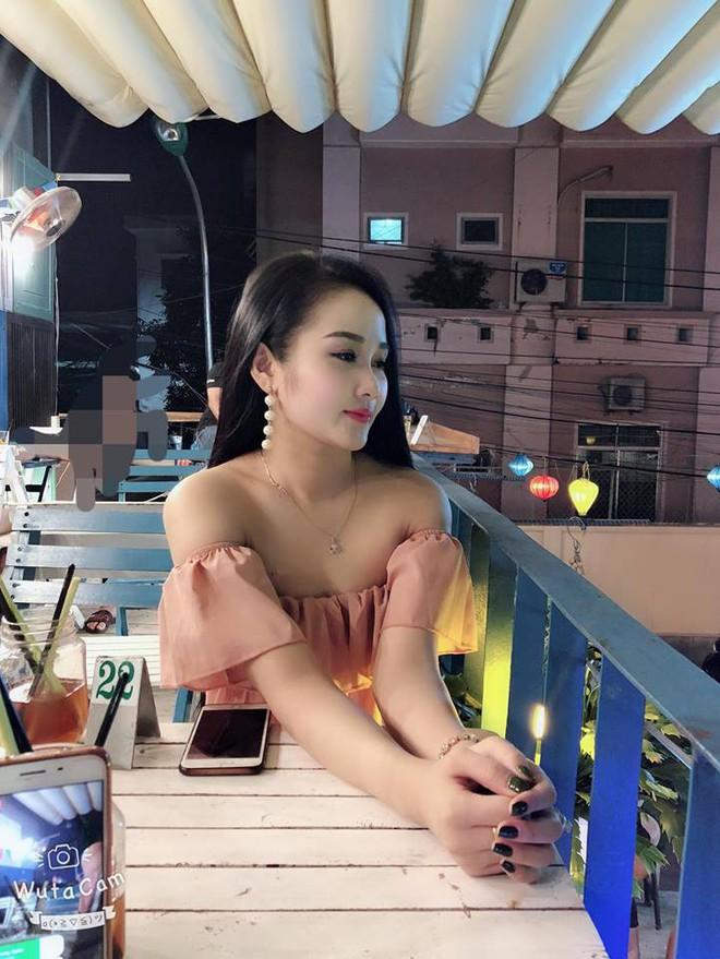Gia thế giàu có, nhan sắc khả ái của bạn gái cầu thủ Tiến Linh - cơn gió lạ trong đội tuyển Việt Nam - Ảnh 19.