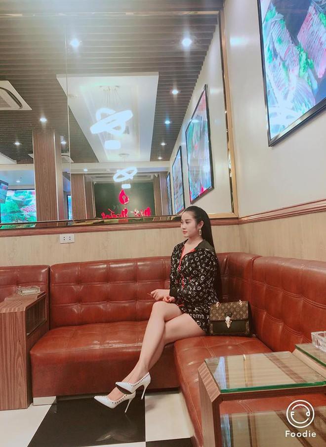 Gia thế giàu có, nhan sắc khả ái của bạn gái cầu thủ Tiến Linh - cơn gió lạ trong đội tuyển Việt Nam - Ảnh 21.