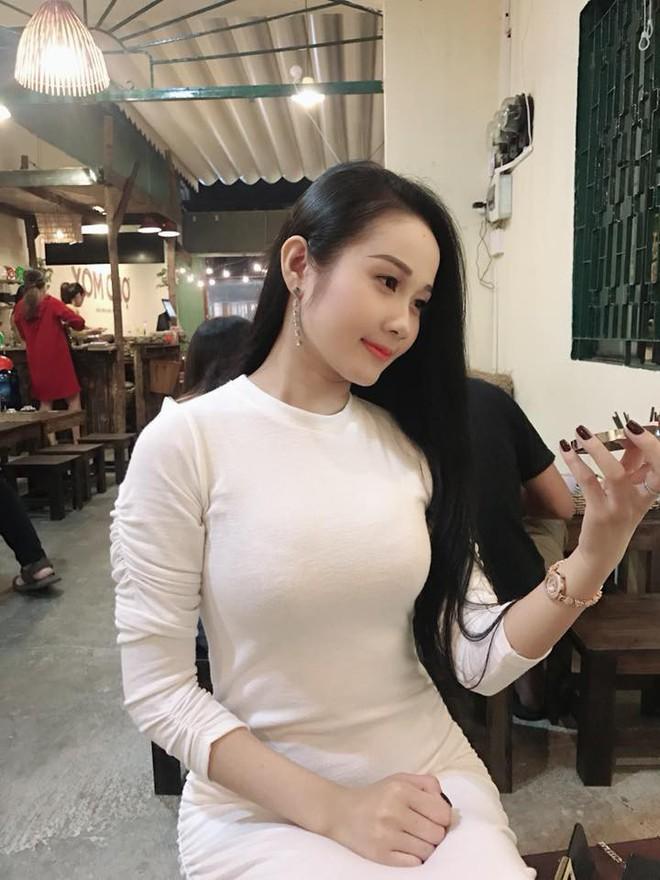 Gia thế giàu có, nhan sắc khả ái của bạn gái cầu thủ Tiến Linh - cơn gió lạ trong đội tuyển Việt Nam - Ảnh 23.