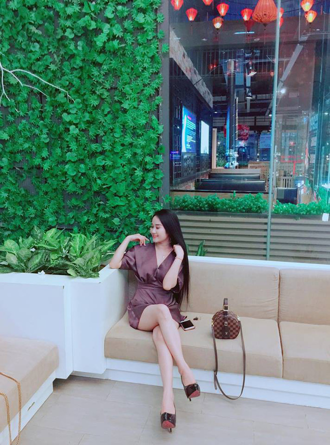 Gia thế giàu có, nhan sắc khả ái của bạn gái cầu thủ Tiến Linh - cơn gió lạ trong đội tuyển Việt Nam - Ảnh 25.