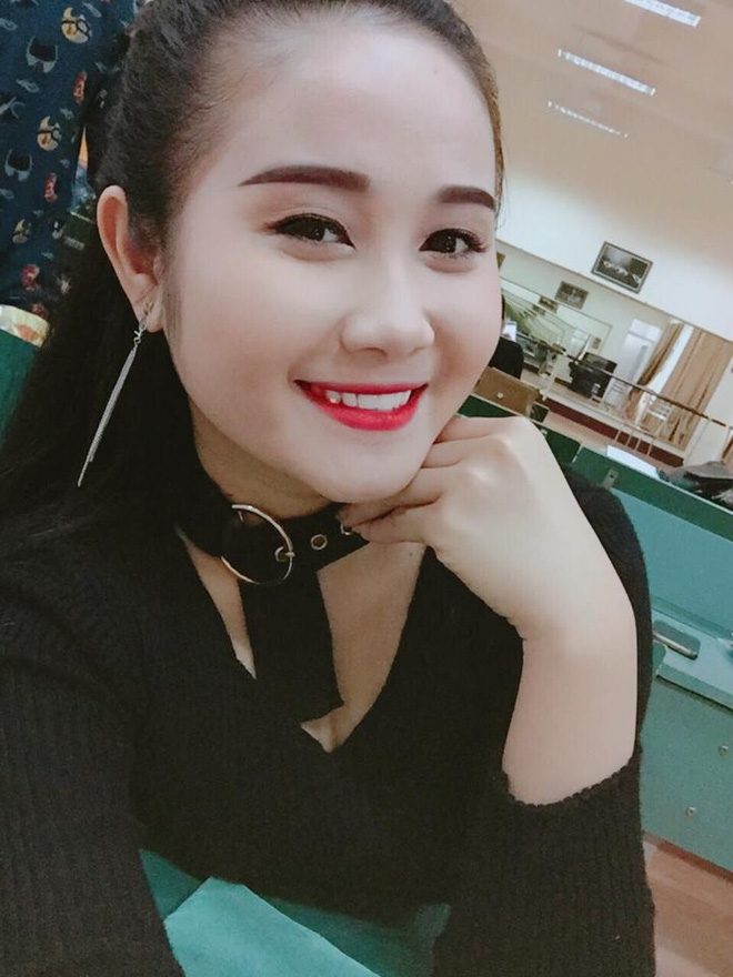 Gia thế giàu có, nhan sắc khả ái của bạn gái cầu thủ Tiến Linh - cơn gió lạ trong đội tuyển Việt Nam - Ảnh 6.