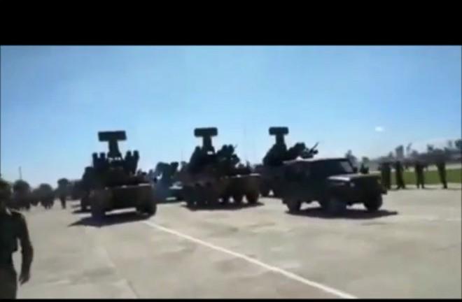 Bất ngờ với nhiều vũ khí hiện đại của Quân đội Lào sẵn sàng duyệt binh - Ảnh 1.
