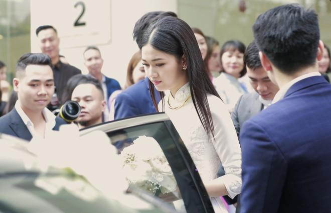Chú rể đại gia, hơn 16 tuổi dùng xe sang 30 tỷ đón Á hậu Thanh Tú về dinh - Ảnh 12.