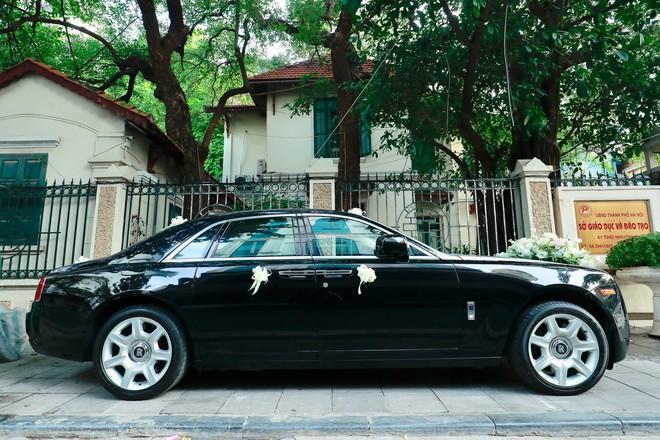 Chú rể đại gia, hơn 16 tuổi dùng xe sang 30 tỷ đón Á hậu Thanh Tú về dinh - Ảnh 4.