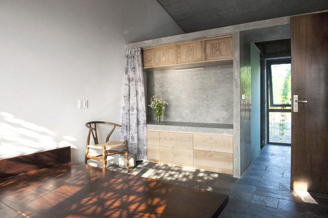 Căn nhà nắng chiếu khắp phòng tại Nam Định đẹp lung linh trên báo ngoại - Ảnh 10.