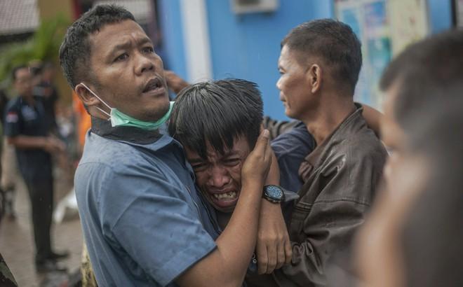 Sóng thần ở Indonesia: Con số leo thang đáng sợ, hơn 1.000 người thương vong, không có công dân Việt Nam